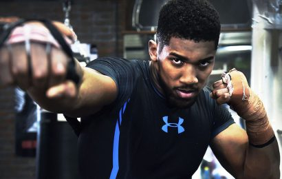 Anthony Joshua rinnova la partnership con Under Armour