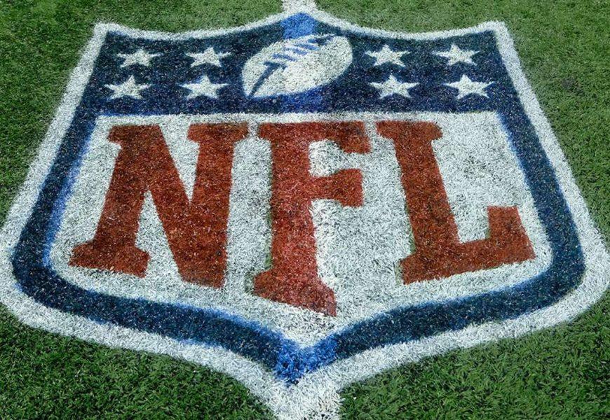 NFL, Patrick Mahomes firma un contratto record da 450 milioni con i Kansas City: è il più ricco della storia