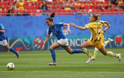 Mondiali di calcio femminile, l'Italia batte 2-1 l'Australia in rimonta. Boom di spettatori per le azzurre