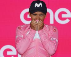 Richard Carapaz è la maglia rosa del Giro d'Italia 2019. Nibali e Roglic si guadagnano il podio. Tutti i premi