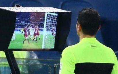 VAR a chiamata nel calcio, la FIGC apre all'utilizzo del challenge