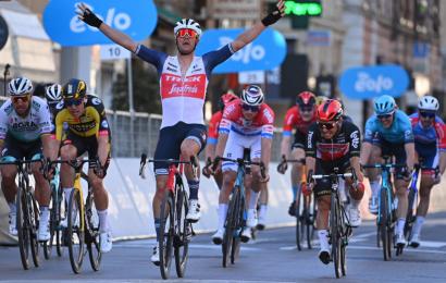Ciclismo, Jasper Stuyven ha vinto la Milano-Sanremo 2021. I premi della Classicissima