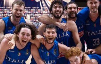 Basket, l'Italia batte la Serbia e vola a Tokyo