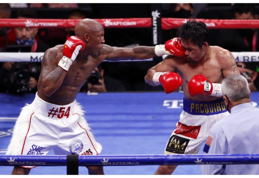 Boxe, Yordenis Ugas batte Manny Pacquiao