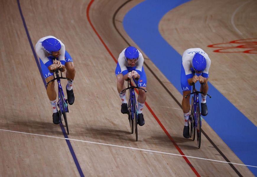 Tokyo 2020, inseguimento a squadre: oro e record del mondo per l'Italia di Ganna